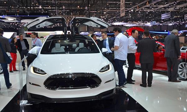 Tesla Model S стала самым быстрым электрокаром